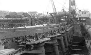 G-59263FF6-2 Detail of operating rods down to the dumping gates in the sand hopper bottoms on the Dutch dredge Holm