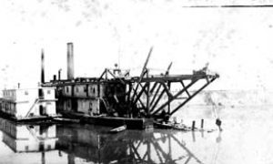 G-59263FF7-10 Dredge 'George Sealy' dredging turning basin, 13th to 15th streets