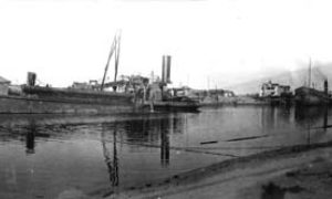 G-59263FF7-13 Grade raising canal between 23d & 25th st's showing Leviathan and Holm unloading at their discharge stations