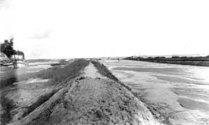 G-5926FF4-14 Holm' Filling County Seawall 100' Part of Right of Way with Sand Dredged in Making Canal
