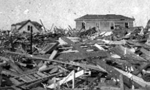 G-1771FF7.9-15 17 & N.  Showing debris