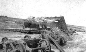 G-1771FF9.2-15 Wrecked freight cars
