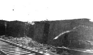 G-1771FF9.2-8 Derailed freight cars