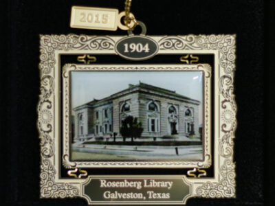 Rosenberg Library gets in the Holiday Spirit