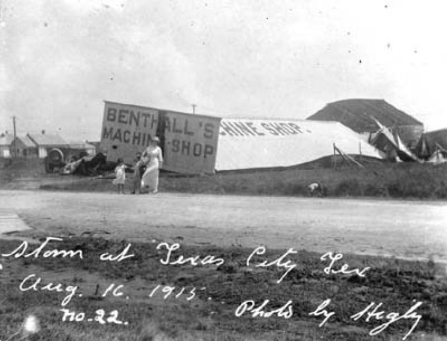 G-17713FF7.2-2 Storm at Texas City Tex Aug 16 1915