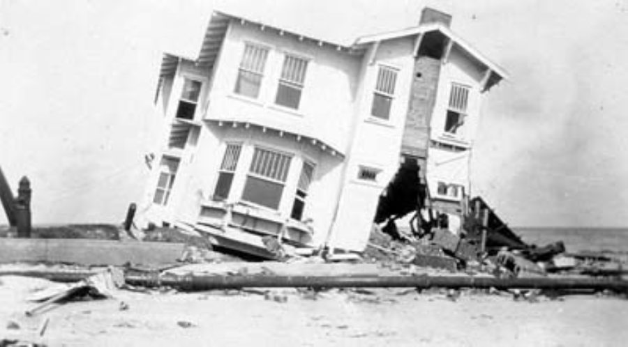 G-17713FF9.1-6 Wrecked two-story frame house on Seawall Boulevard