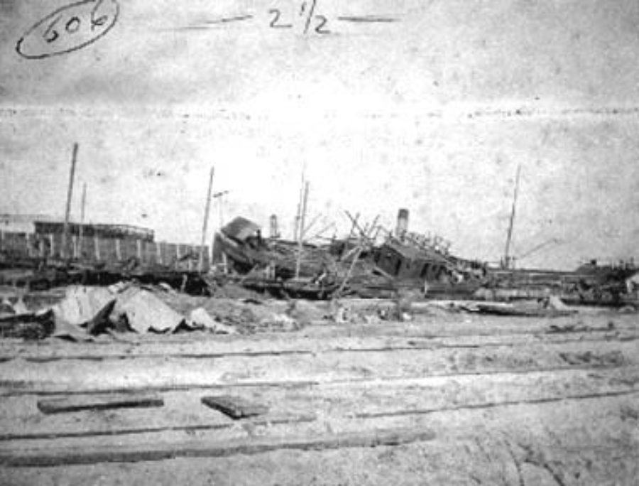G-1771FF2.2-15 Wrecked sailing vessel