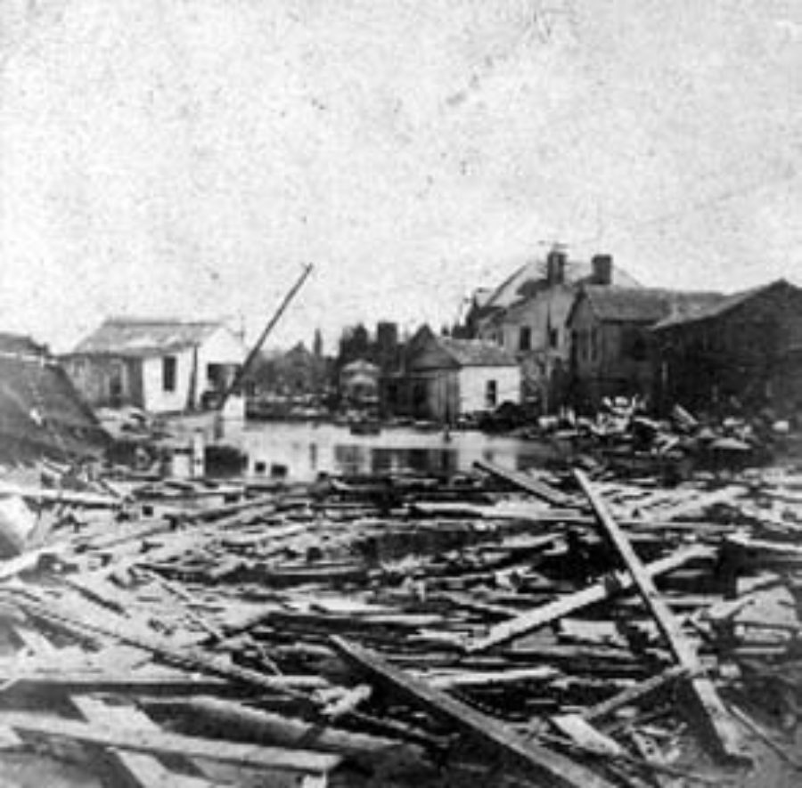 G-1771FF7.10-3 Debris and wrecked houses