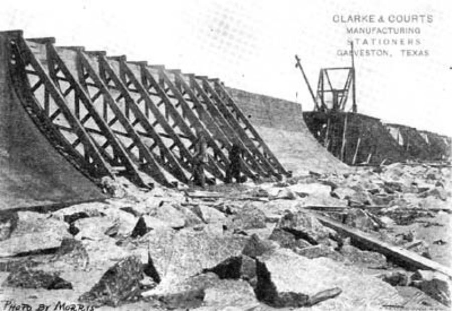 G-5925.2FF3-5 THE GALVESTON SEAWALL.  A FILLED SECTION BEFORE CAISSON IS REMOVED.