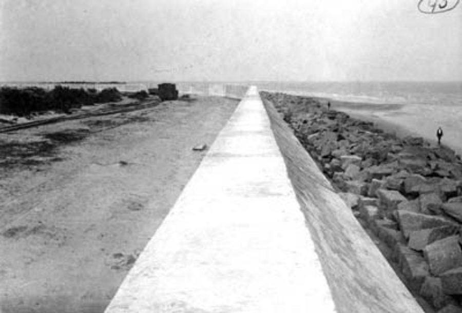 G-5925.3FF5-6 Section showing 3 units of solid masonry of seawall 16 feet base, 17 feet high above foundation