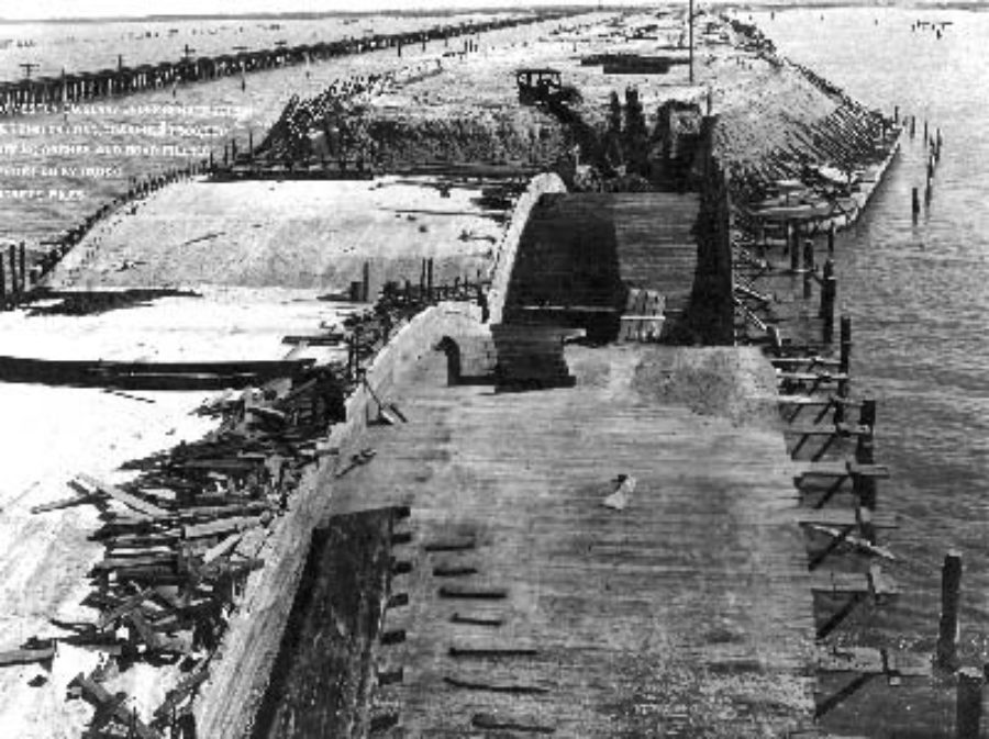 G-18221FF2-12 Galveston Causeway under Construction